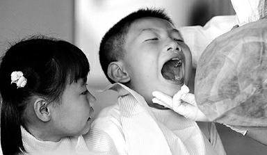 小儿口腔溃疡的症状